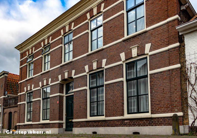 Hoge Kerkstraat 13